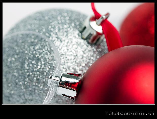 Tag 307 Projekt 365 rot silber Weihnachtskugeln