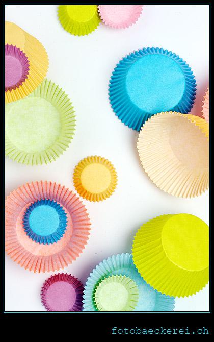 Tag 343 Projekt 365 Muffinformen aus Papier, verschiedene Farben