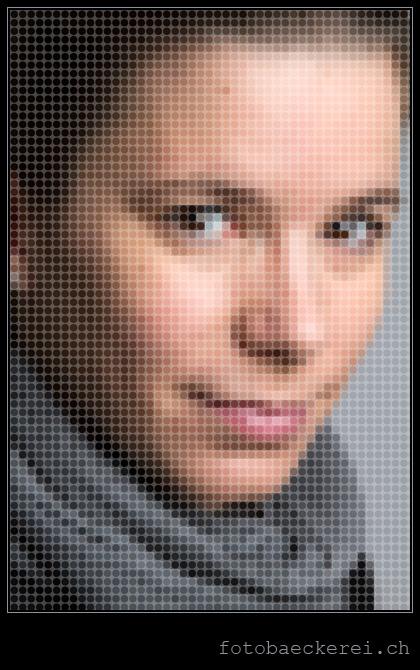 """Woche 8, Selbstportrait mit """"runden"""" Pixel"""