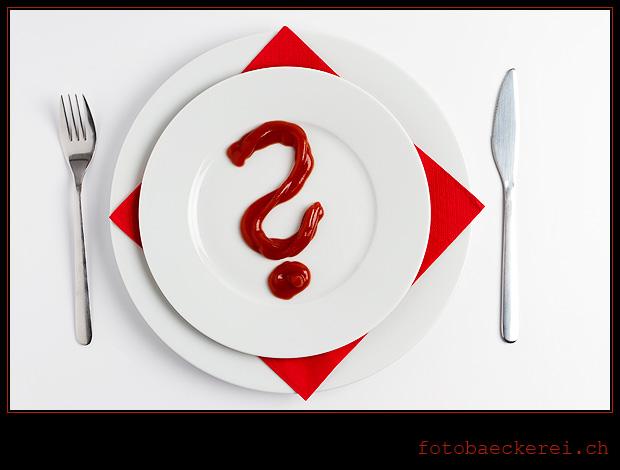 Woche 12 Ketchup auf Teller, Fragezeichen